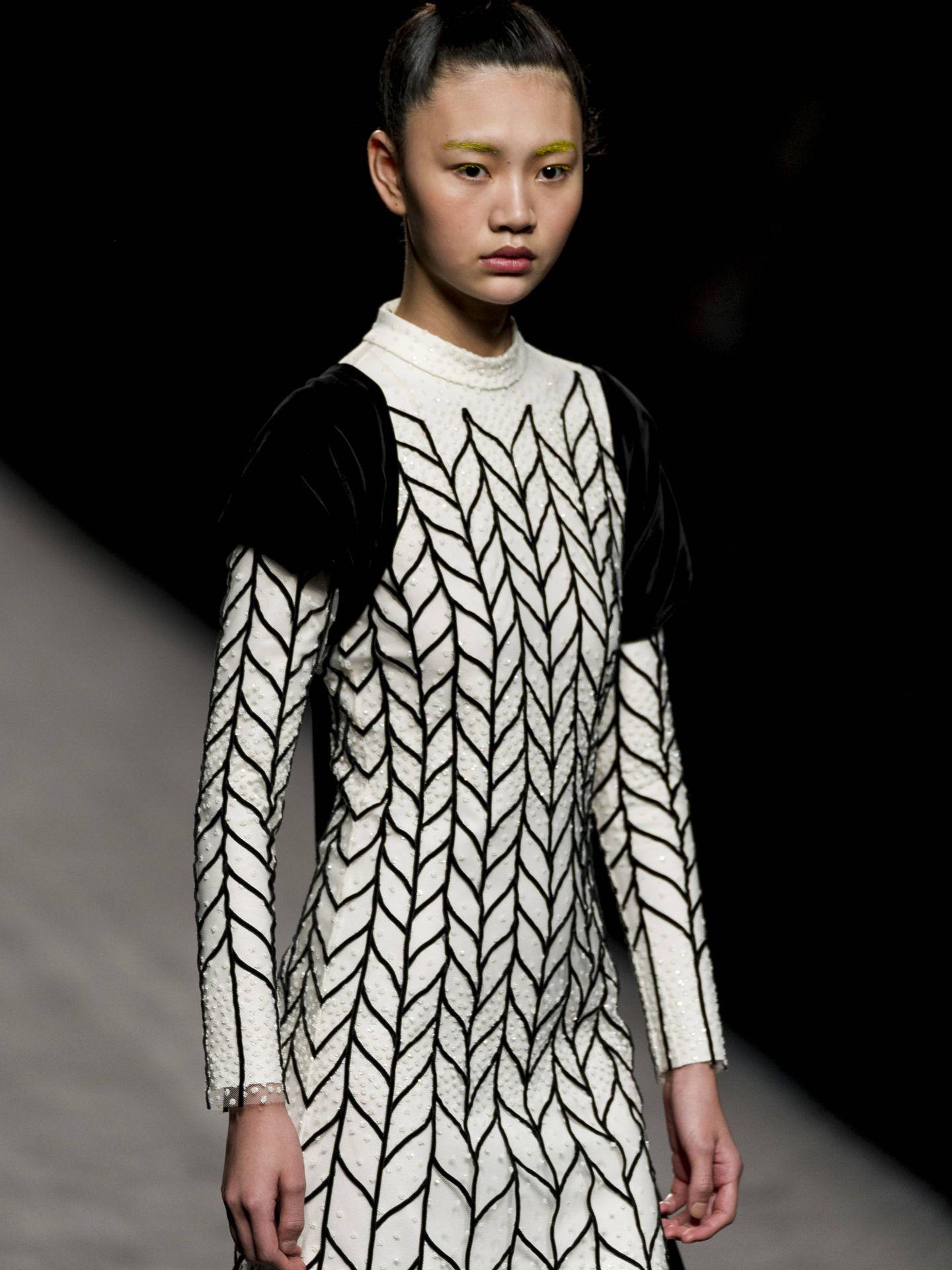 Vestido de Laura Vecino, firmado por Teresa Helbig. (Getty)