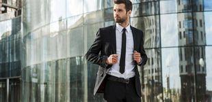 Post de Lo que nunca debes llevar al trabajo (como un traje negro): no es profesional