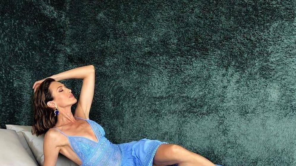 Foto: Una espectacular Nieves Álvarez posa en Instagram con un vestido de Charo Ruiz. (IG)