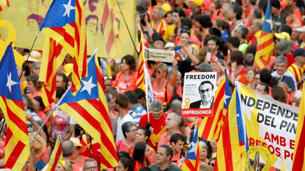 Foto: Vista de la avenida Diagonal de Barcelona durante la manifestación con motivo de la Diada del 11 de septiembre de 2018. (EFE)