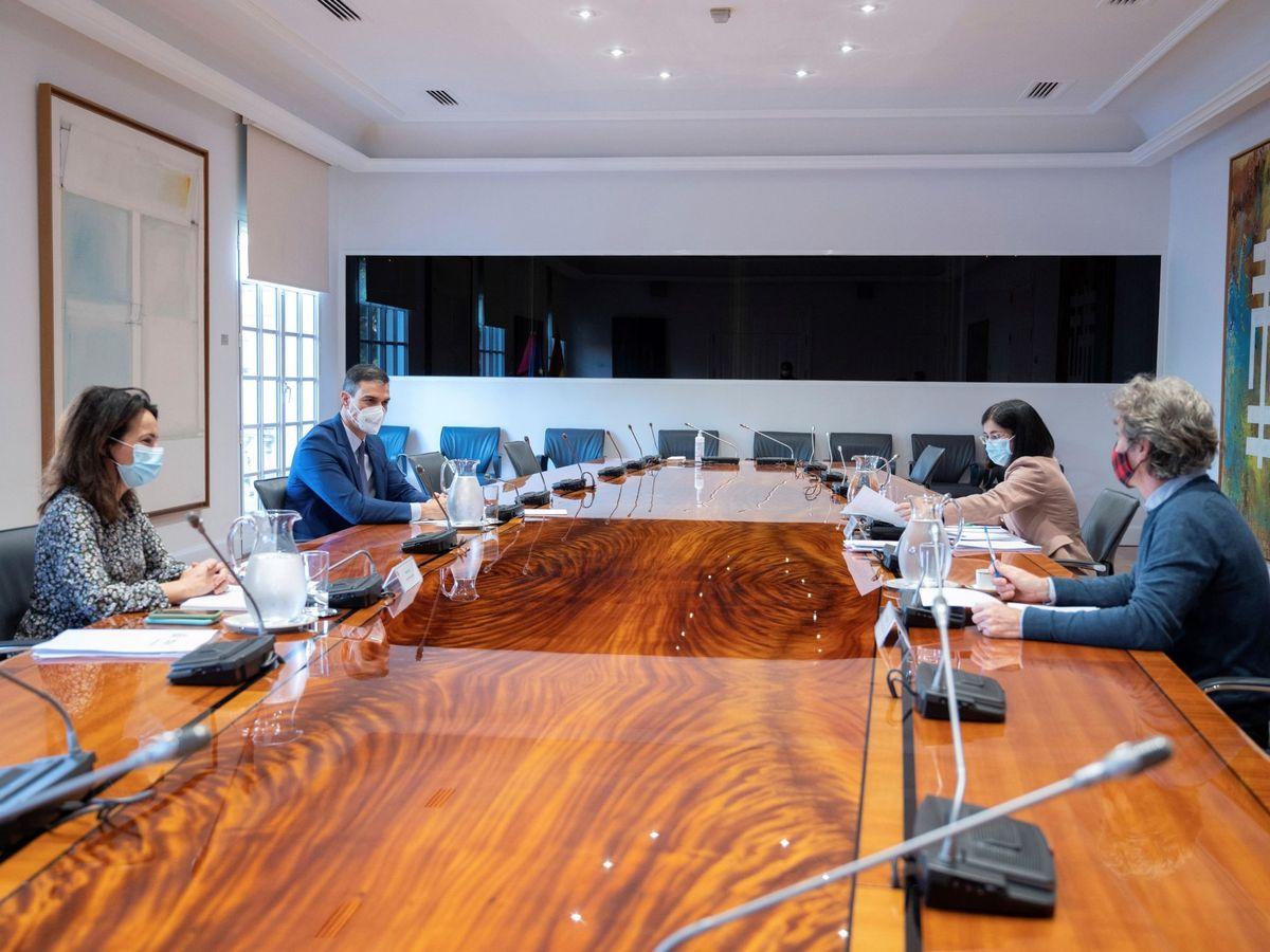 Foto: Sánchez preside una reunión del Comité de Seguimiento del Coronavirus. (EFE)