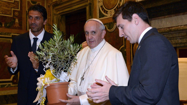 El Papa recibe a Messi y Buffon en audiencia. (Getty)