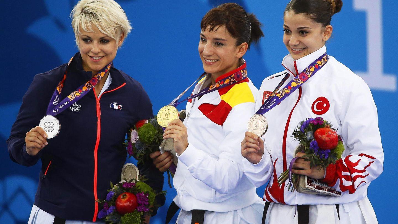 En 2015, además del título nacional y el europeo, Sándra Sánchez (c) ganó el oro en los Juegos Europeos de Bakú. (EFE)