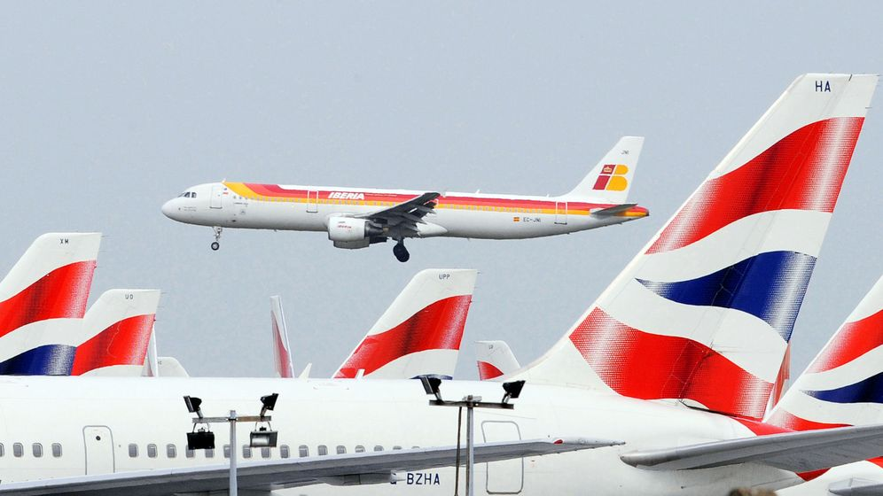 Foto: Un avión de Iberia y otro de British Airways. (Reuters)