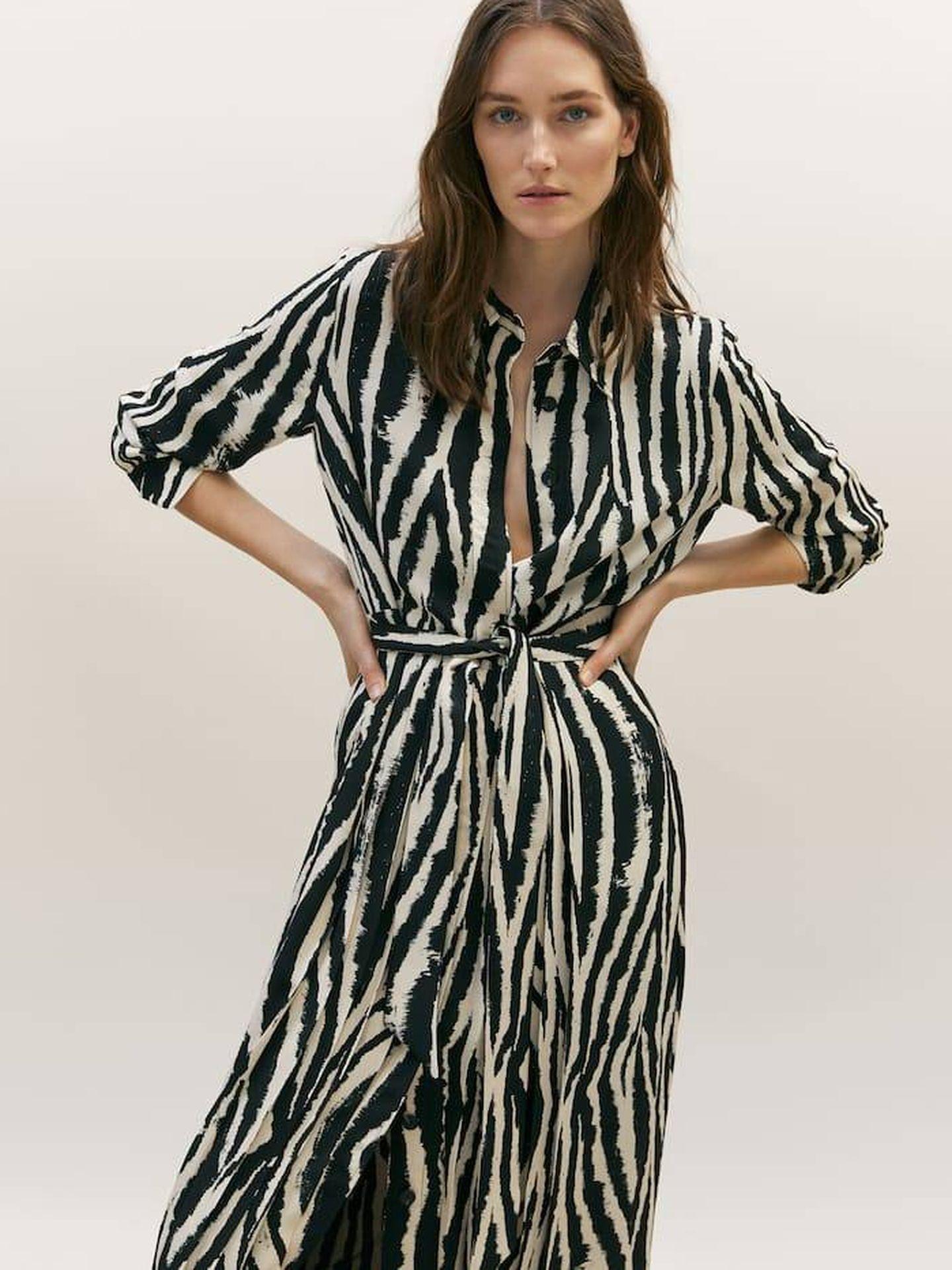 Vestido de animal print de Massimo Dutti. (Cortesía)