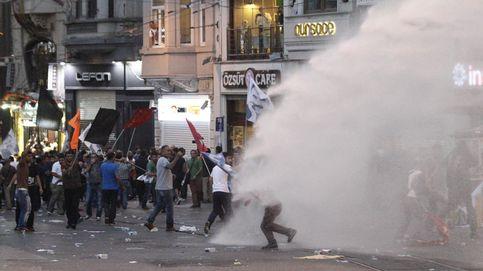 Varios muertos y heridos en un doble atentado terrorista en Estambul
