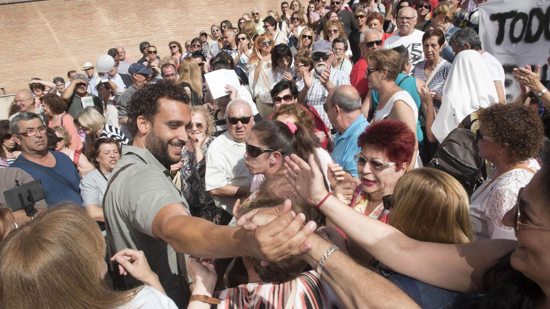 2.500 personas piden una calle, plaza u hospital para  Jesús Candel, 'Spiriman'