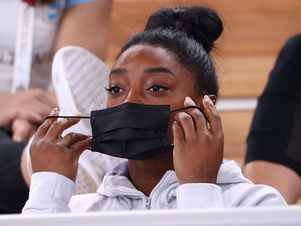 Foto: Simone Biles siguió este jueves desde la grada la final del concurso completo. (Reuters)