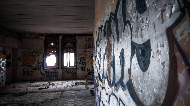Una habitación saqueada del Canto del Pico. (Carmen Castellón)