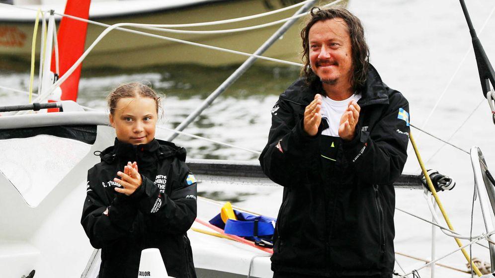 Foto: Greta Thunberg con su padre. (Getty)