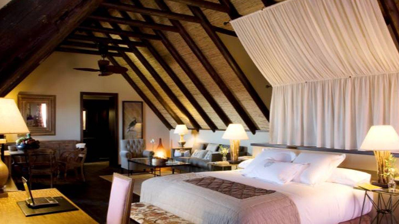 La suite Langkawi, con su techo abuhardillado. (Foto: Cortesía)