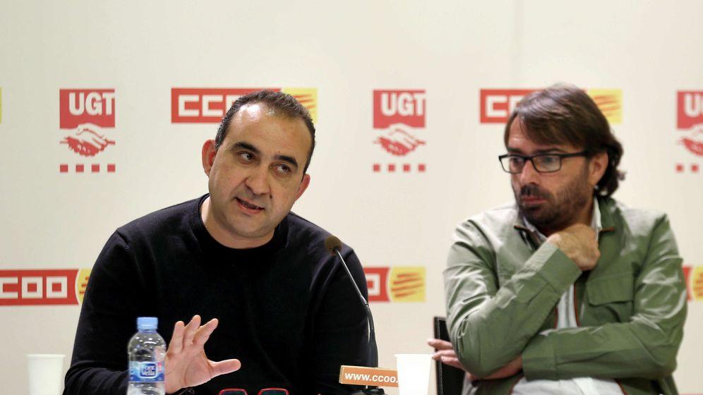 Foto: Los secretarios generales de UGT y CCOO de Cataluña, Camil Ros (d) y Javier Pacheco. (EFE)