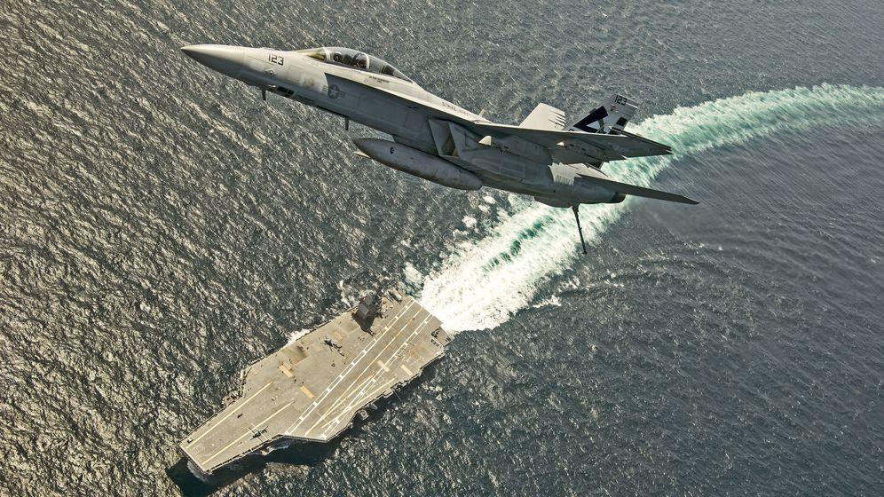 Foto: Un F-18 en una de las pruebas de uno de los 'Gerald Ford'. (US Navy)