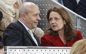El divorcio de la pareja del ministro Wert se complica