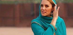 Post de Kate Middleton se cubre la melena y se descalza en Pakistán: mejor imposible