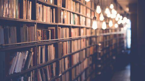 Manta, libro y a viajar desde el sofá