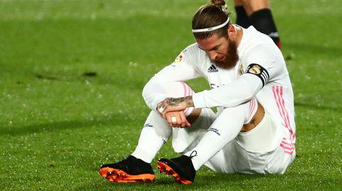 Sergio Ramos y Raúl García, las duras renovaciones en la crisis del fútbol español