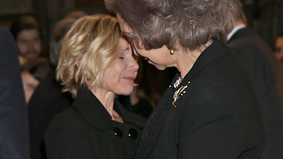 La presencia de Eugenia en la misa funeral de su madre, en el aire