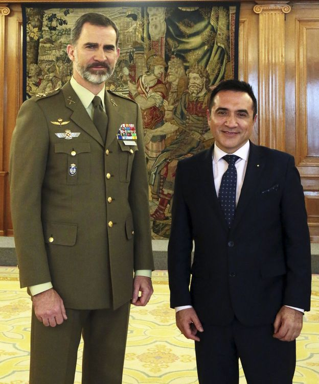 Foto: Felipe VI, junto a Antonio Montiel en 2017. (EFE)