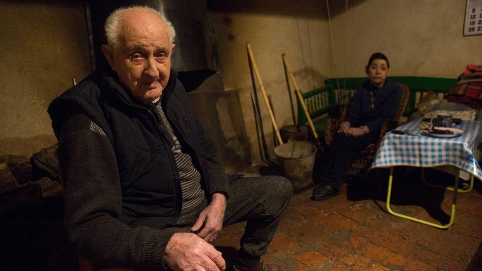 El anciano que lleva 27 años acosado por un terrateniente en una posada de 'El Quijote'