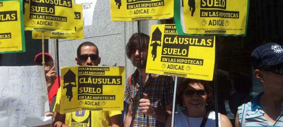 Foto: Protestas por las cláusulas suelo. (EFE)