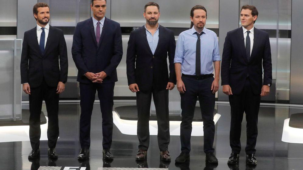 Foto: Pablo Casado, Pedro Sánchez, Santiago Abascal, Pablo Iglesias y Albert Rivera, en el último debate electoral. (EFE)