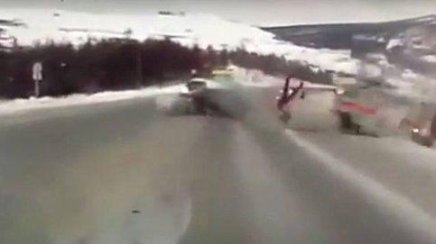 Una embarazada sale disparada de una ambulancia tras un accidente de tráfico