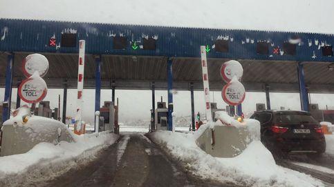 Vuelve el caos a la AP-6: de la nieve del 6 de enero al hielo del 2 de febrero