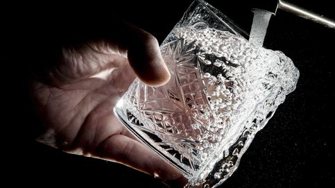 ¿Beber agua durante las comidas dificulta la digestión?