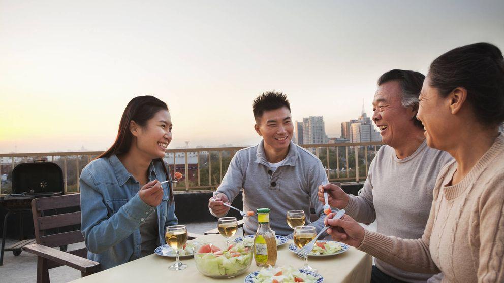 Alquila a tus padres: la oscura tendencia que está de moda en Japón