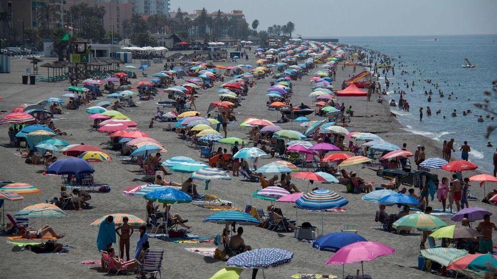Foto: Vista genmeral de la playa de Salobreña. (EFE)