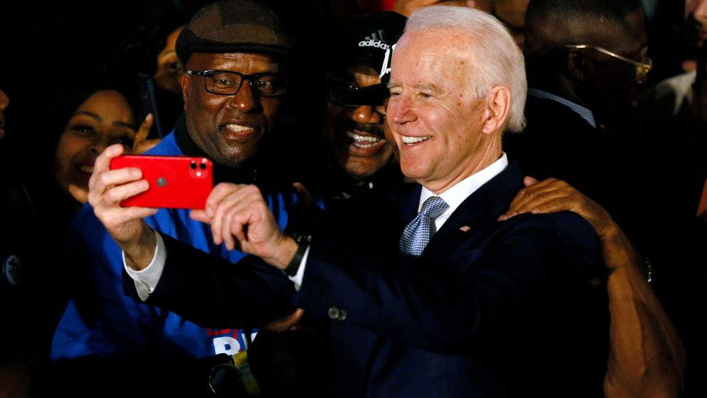 Biden revive su decaída campaña con un triunfo en Carolina del Sur