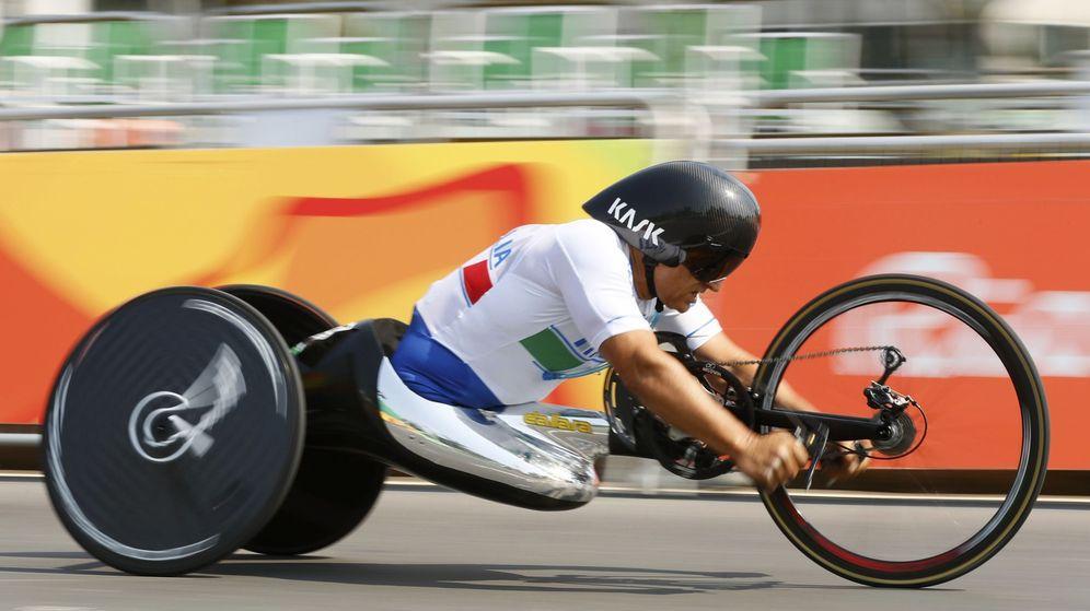 Foto: Zanardi en Río 2016 minutos antes de lograr un nuevo oro. (Jason Cairnduff/Reuters)