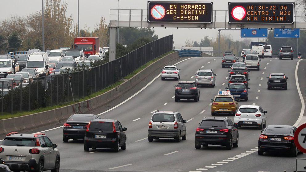 La fecha en la que se prohibirán los coches diésel y de gasolina en España
