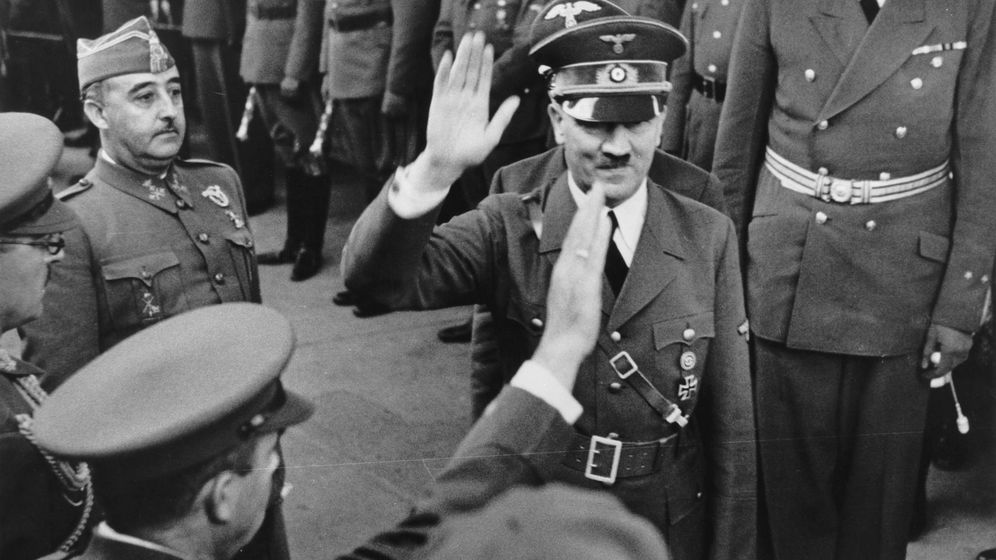 Foto: Hitler está contento, Franco no lo ve nada claro. (Cordon Press)