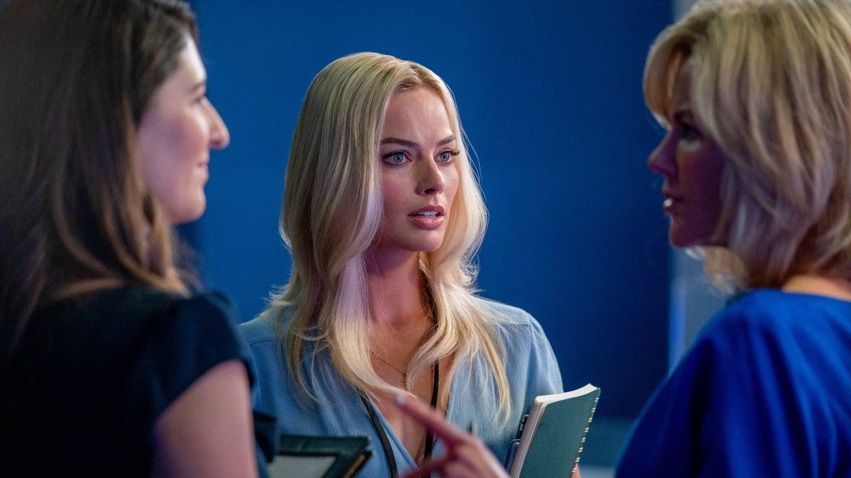 Margot Robbie es Kayla Pospisil en 'El escándalo'. (EOne)
