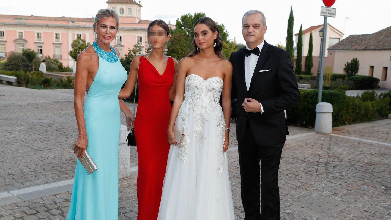 Ramón García, Patricia Cerezo y sus hijas, Natalia y Verónica. (Gtres)