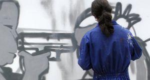 Los grafitis invaden calles y comercios, ahora también por encargo