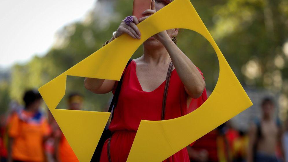 Foto: Lazo amarillo durante la manifestación con motivo de la Diada. (EFE)