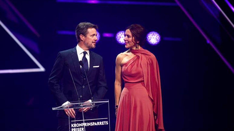 Federico y Mary, en la entrega de los Premios Príncipes Herederos. (Casa Real)