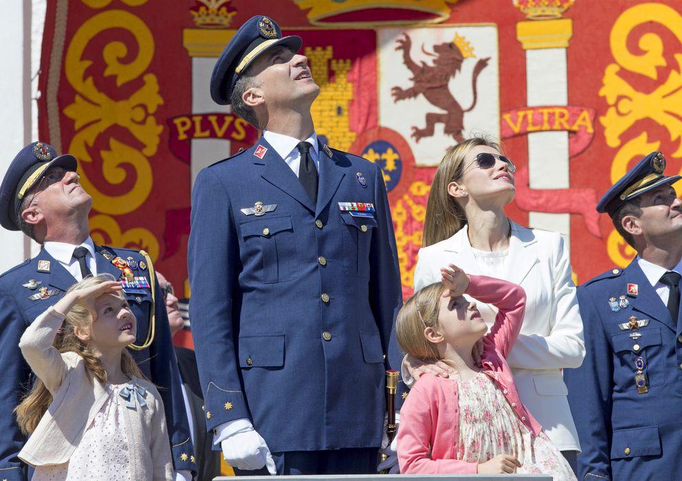 Foto: Los Reyes, Felipe y Letizia, y sus hijas el pasado mes de mayo en Murcia (Gtres)