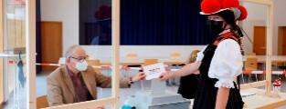 Foto de Directo | Cierran los colegios electorales, comienza el recuento