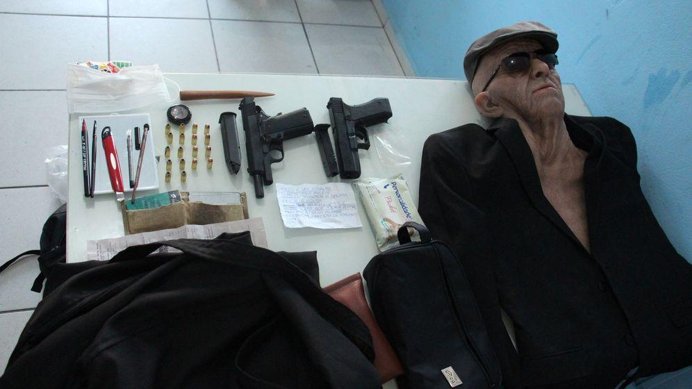 Foto: Exempleado de una agencia bancaria intenta robarla disfrazado de anciano.