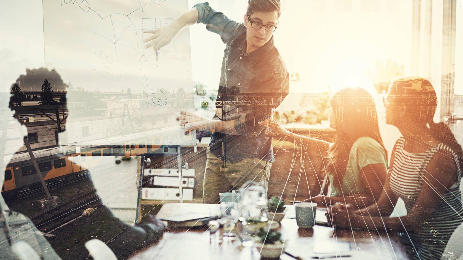 Foto: Un líder es uno más del equipo. (iStock)