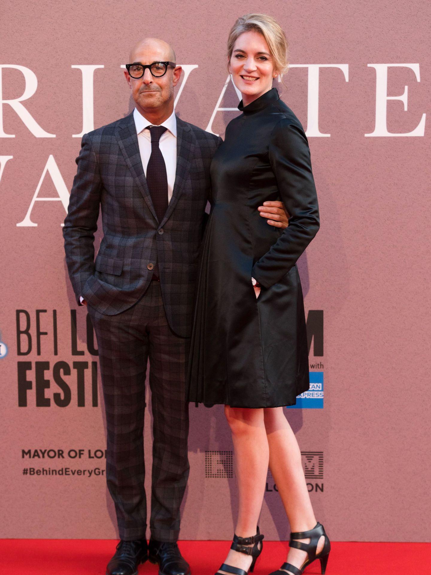 Stanley Tucci y su mujer, Felicity Blunt, en un evento en Londres. (EFE)