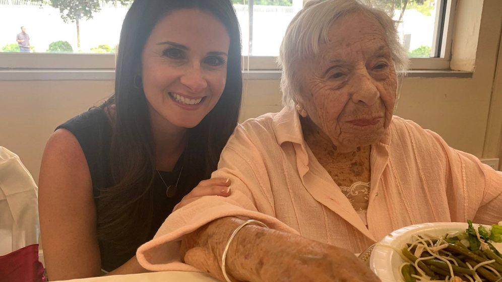 Foto: Louise Signore acaba de cumplir 107 años y como una rosa (Foto: Twitter)