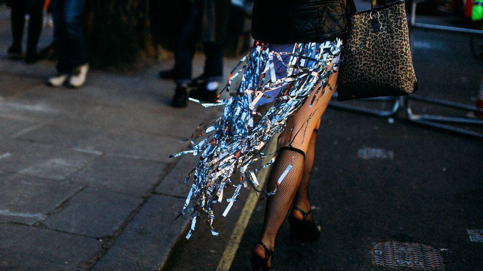 ¿Alguien dijo fiesta? Brilla con estos zapatos y bolsos a juego en versión low