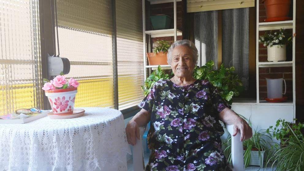 En primera persona: Con 80 años y vive sola en casa: Lo peor es no besar a mi familia