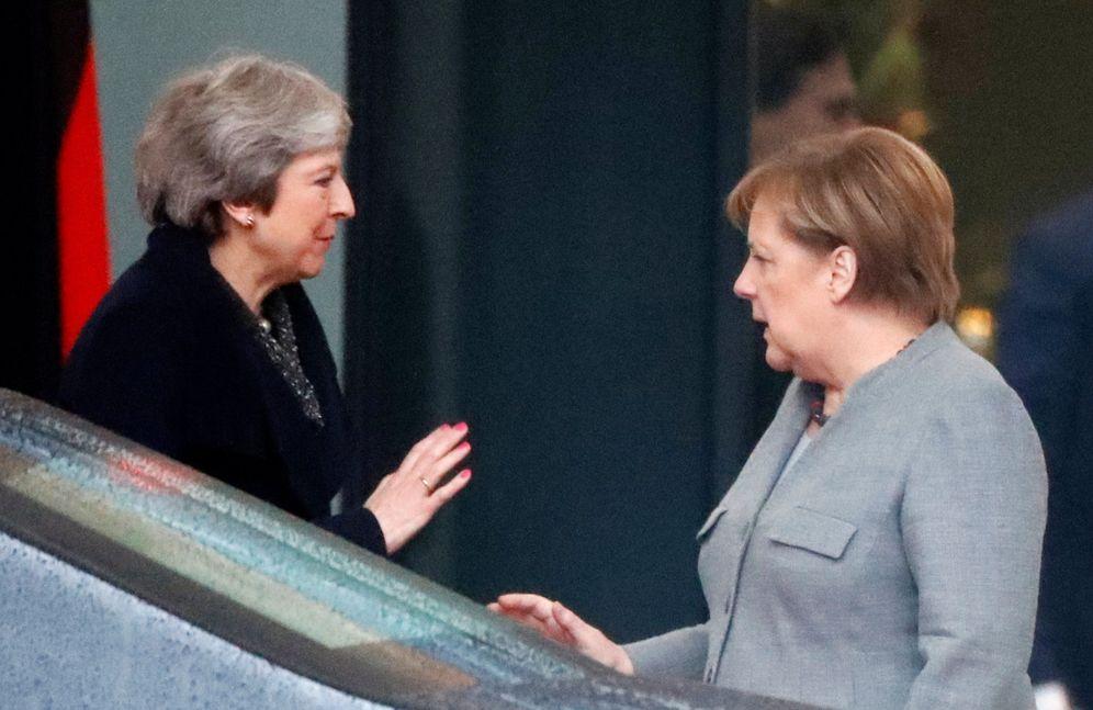 Foto: Theresa May junto a la canciller alemana Angela Merkel, en Berlín. (Reuters)