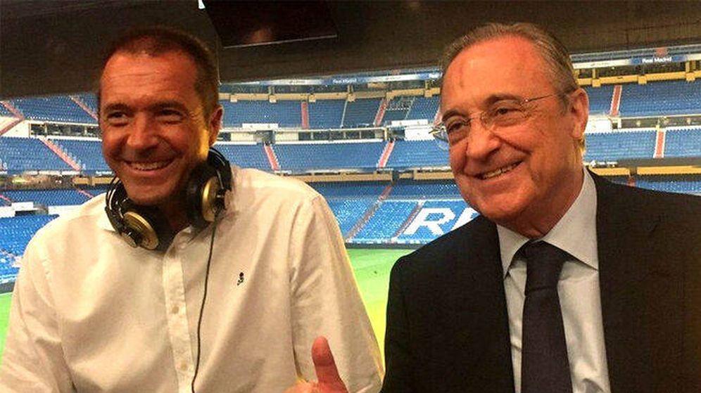 Foto: Manu Carreño y Florentino Pérez, en el Santiago Bernabéu